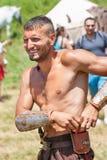 bulgaria Partecipante del festival piega Rozhen nei vecchi costumi dello slavo Immagini Stock