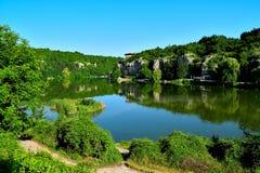 Bulgarien Pleven, kopplar av, skönhet, gräsplan arkivfoto