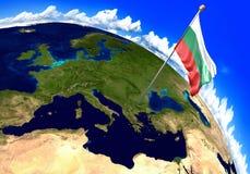Bulgarien-Staatsflagge, die den Landstandort auf Weltkarte markiert 3D Wiedergabe, Teile dieses Bildes geliefert von der NASA Stockfotografie