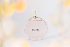 Bulgarien Varna - 10/03/2017 Möjlighet Chanel, doft på en vit Royaltyfri Foto