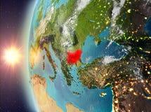 Bulgarije tijdens zonsondergang van ruimte Stock Afbeelding
