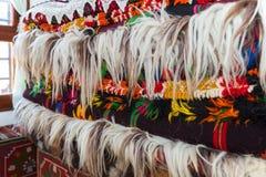 Bulgarische authentische woolen Wolldecken, Decken und Teppiche Stockfotografie