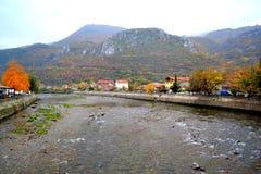 Bulgarische Flussbettansicht Stockfotos