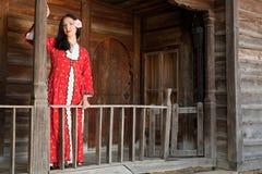 Bulgarisches nationales Kleid Lizenzfreie Stockfotografie