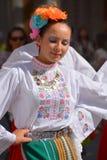 Bulgarisk folk dansare Arkivfoto