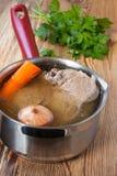 Buljong med grönsaker Royaltyfri Bild