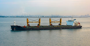 Free Bulk Carrier Cargo Ship Royalty Free Stock Images - 61598499