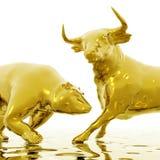 Bull e urso Fotos de Stock