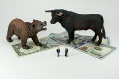 ¡Bull o mercado bajista! Imagenes de archivo