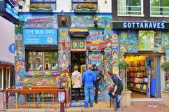 Bulldoggcoffee shop i Amsterdam Arkivfoto