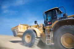 Bulldozer. Jaune sur chantier en action Stock Images