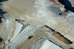 Bulldozers bij goudmijn Royalty-vrije Stock Foto's