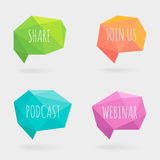 Bulles de la parole ou ballons polygonaux d'entretien avec des ombres Crystal Glass Flat Design Signs illustration stock