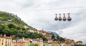 """Bulles di Les della cabina di funivia delle Grenoble-Bastille aka """"inglesi: le bolle, collega il centro urbano con le Bastille, fotografia stock libera da diritti"""