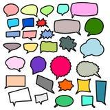 Bulles vides colorées de la parole, ensemble différent de forme d'isolement sur le fond blanc ; illustration de vecteur illustration stock