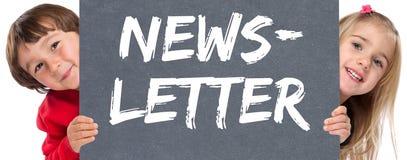 Bulletin d'information souscrivant le childre de jeunes de campagne de marketing d'Internet image libre de droits