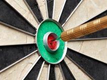 Βέλος bullseye Στοκ εικόνες με δικαίωμα ελεύθερης χρήσης