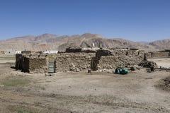 Bulunkul, Tagikistan, il 23 agosto 2018: Il posto isolato Bulunkul nelle montagne di Pamir fotografie stock