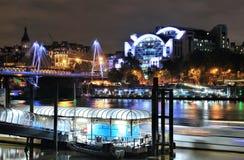 Bulwar i Hungerford most w Londyn zdjęcia stock