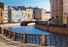 Bulwar Moyka rzeka w świętym Petersburg, Rosja Zdjęcia Royalty Free