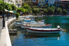 Bulwar nabrzeżny elita turystyczny grodzki Agios Nikolaos obrazy royalty free