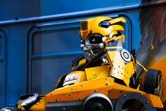 Bumblebee το κοστούμι ρομπότ εκτελεί Στοκ φωτογραφίες με δικαίωμα ελεύθερης χρήσης