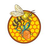 Bumblebee φέρνοντας κύκλος κυψελών δοχείων μελιού Στοκ φωτογραφία με δικαίωμα ελεύθερης χρήσης