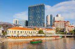 Bumboat sur la rivière de Singapour Photos libres de droits