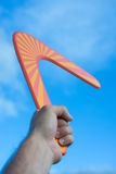 Bumerang przed niebieskim niebem Zdjęcia Stock