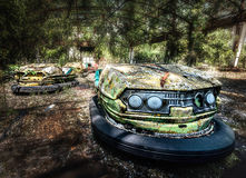 Bumperauto's in Pripyat funfair dichtbij Tchernobyl royalty-vrije stock foto