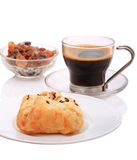 Bun and black coffee Royalty Free Stock Photography
