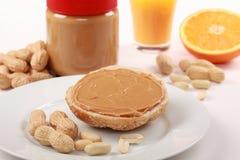 Bun with peanut butter Royalty Free Stock Photos