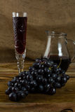 Bunch of dark grapes Stock Photography