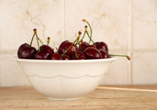 A bunch of fresh cherries in a bowl Royalty Free Stock Photos