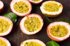 Free Bunch Of Halved Passion Fruit Stock Photography - 95032932