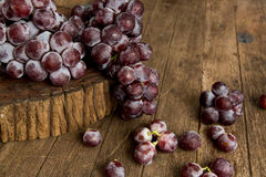 Bunch or red grapes Royalty Free Stock Images