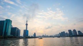 Bund Шанхай на заходе солнца Стоковая Фотография RF