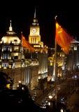 фарфор автомобилей bund flags ноча shanghai Стоковое Изображение