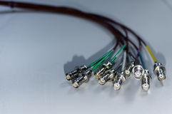 Bundel van BNC-signaalkabels op witte achtergrond - concept uitzendingstv en datacommunicaties Stock Foto's