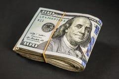 Bundel van honderd dollarsrekeningen Stock Foto's