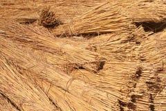 Bundels van Dak dat Gras met stro bedekt Royalty-vrije Stock Foto's