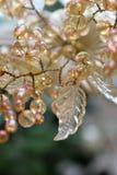 Bunden Glass pärl- och bladsmyckning fotografering för bildbyråer