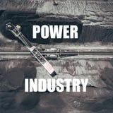 bunden industri Bryta grävskopan på minen för nedersta yttersida Royaltyfria Foton