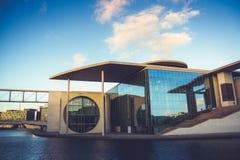 Bundes Kanzleramt a Berlino, Germania Immagini Stock Libere da Diritti
