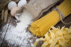 Bundle of long spaghetti Royalty Free Stock Photography