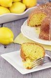 bundt蛋糕柠檬 免版税图库摄影