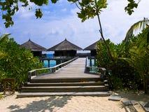 bungalowów wyspy tropikalna woda Zdjęcia Stock