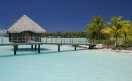 bungalow över vatten Arkivbilder