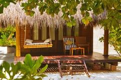 Bungalow da praia - Maldivas foto de stock