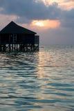 bungalow op een tropisch eiland Royalty-vrije Stock Afbeeldingen